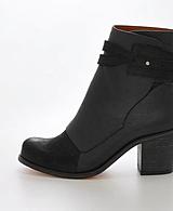 V Ave Shoe Repair - V Ave Cuff Boot Black