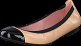 Pretty Ballerinas - 37190 Beige/Black Leather